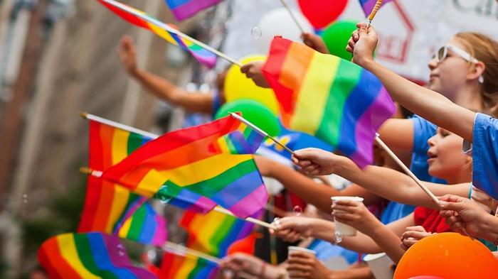 """В Венгрии на законном уровне запретили """"ЛГБТ-пропаганду"""" в школах"""