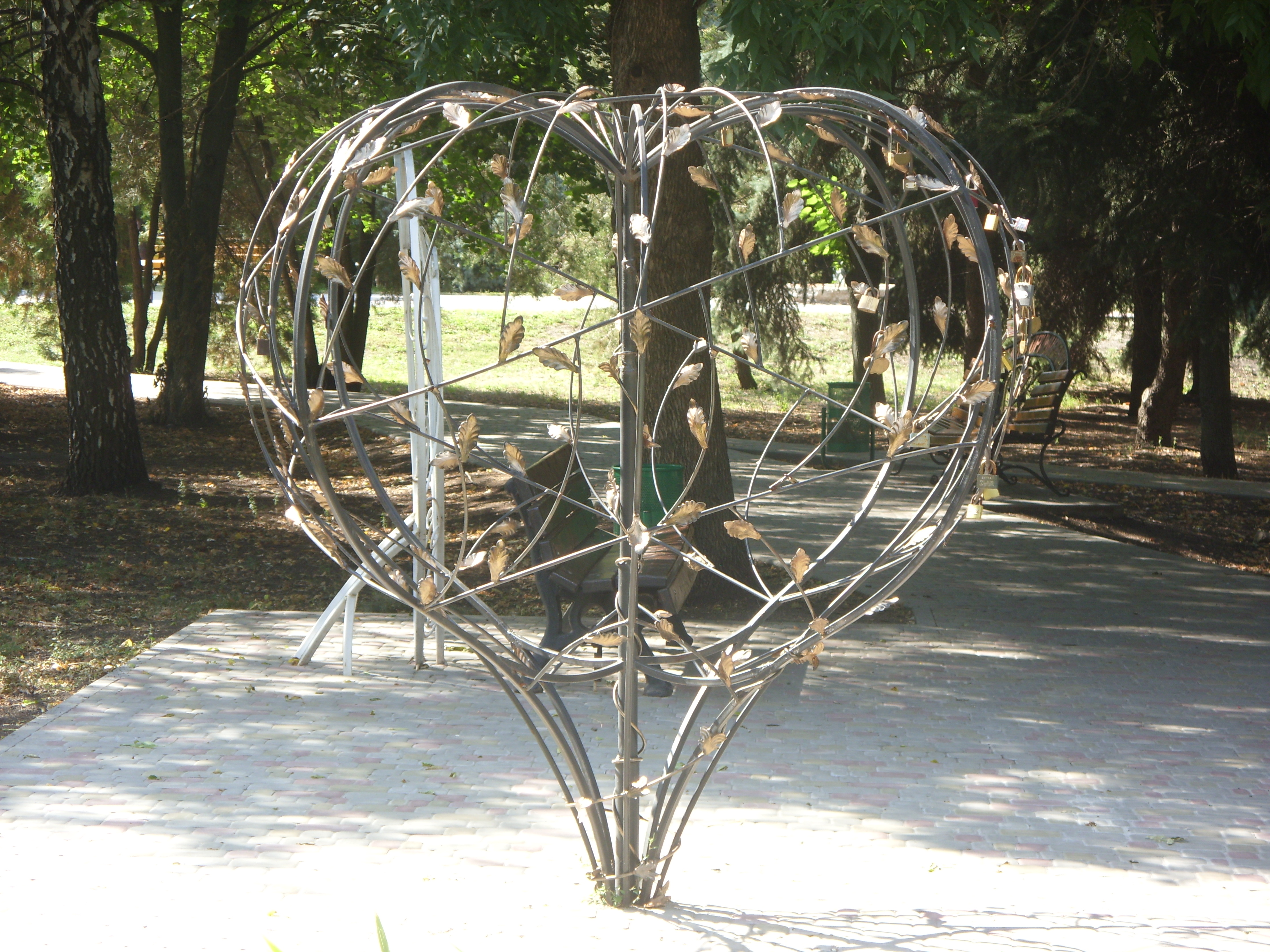 Современная скульптура в Кегичевке