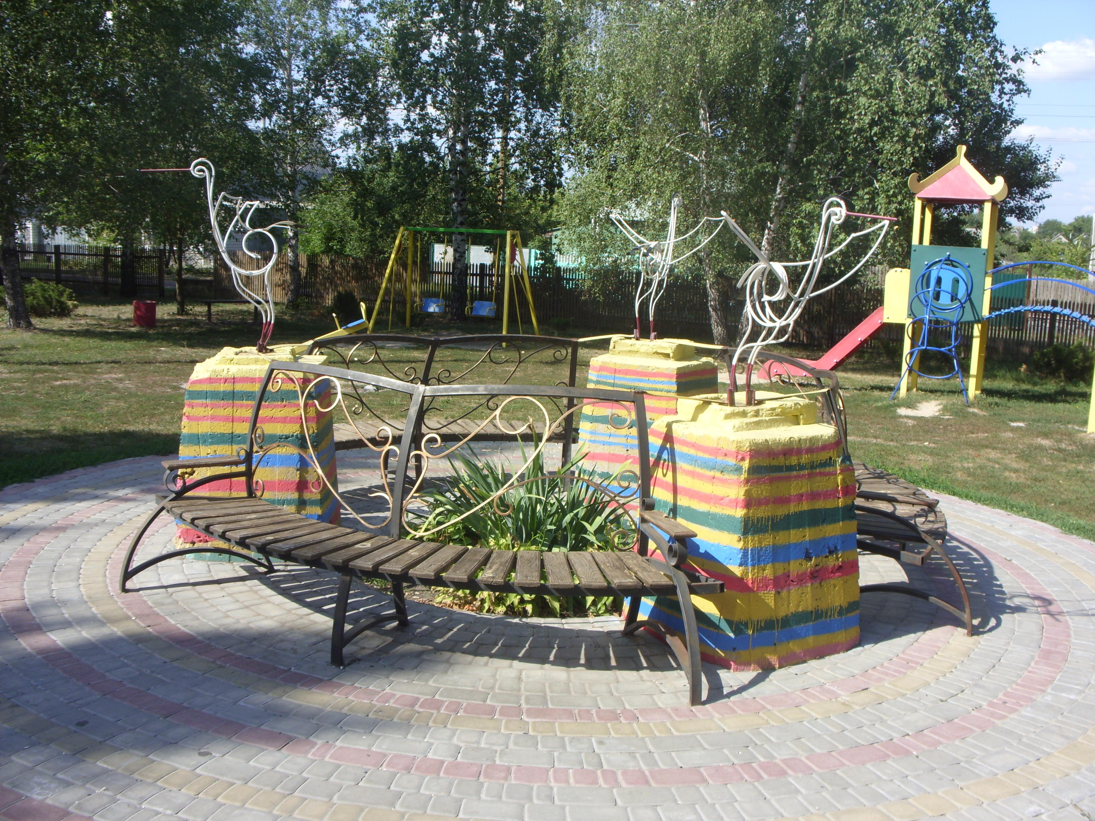 Детская площадка в Кегичевке
