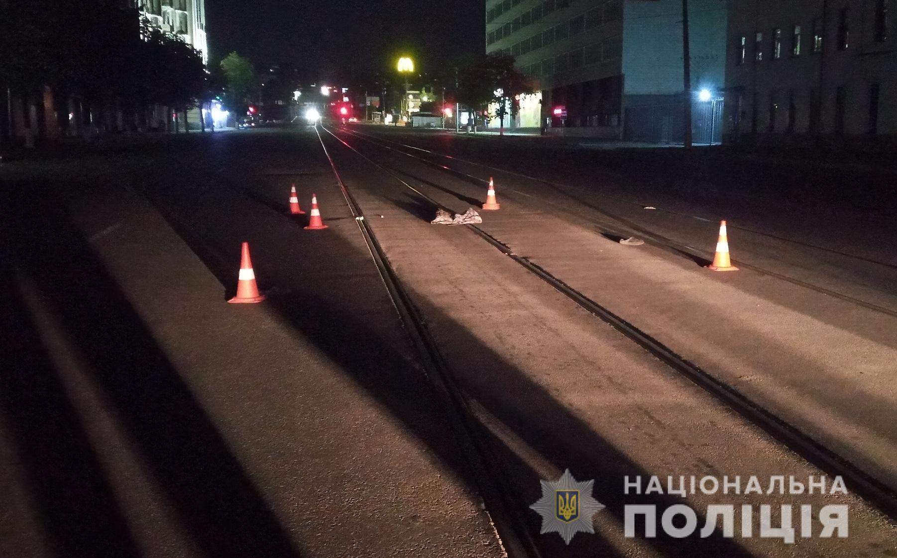 Полиция ищет свидетелей аварии на Полтавском Шляхе: неизвестный автомобиль сбил пешехода
