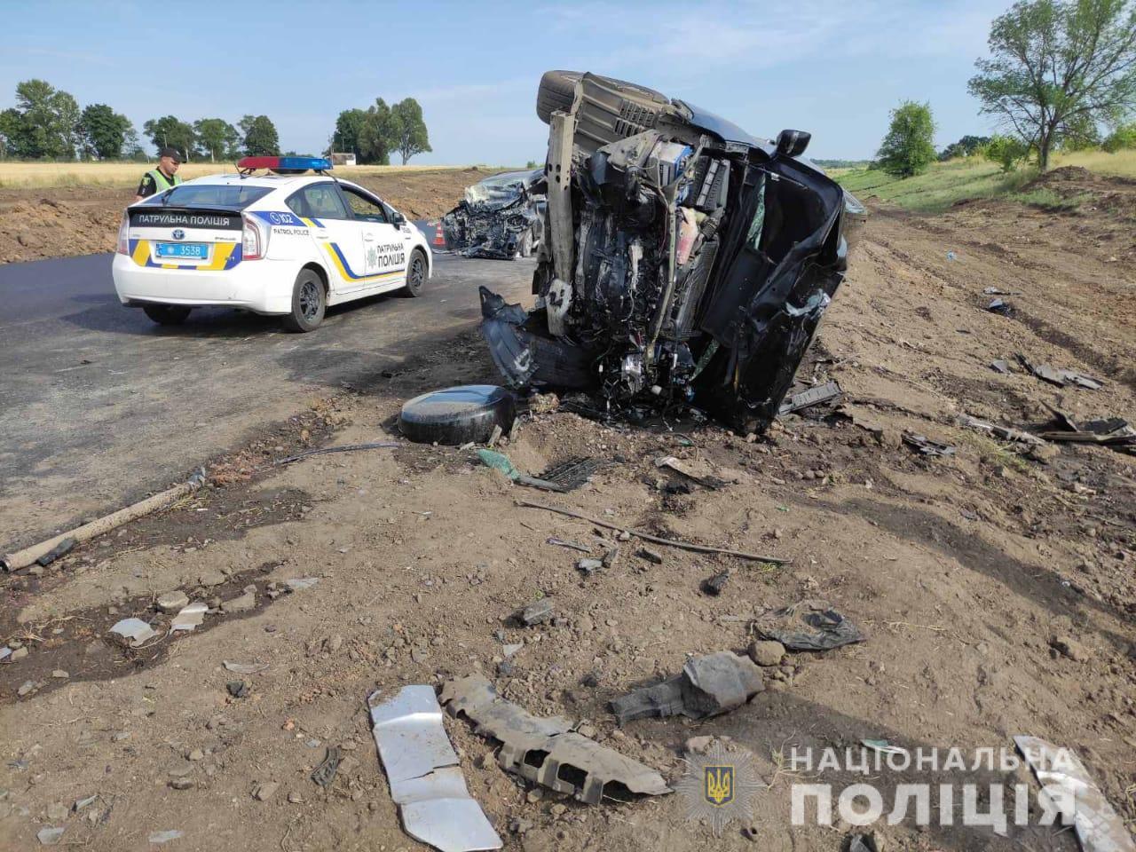 Авария на харьковской Окружной: два человека пострадали, один – умер (фоторепортаж)