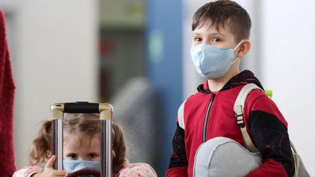 При каких условиях детям старше 12 лет можно делать прививки против COVID-19: разъяснение Минздрава