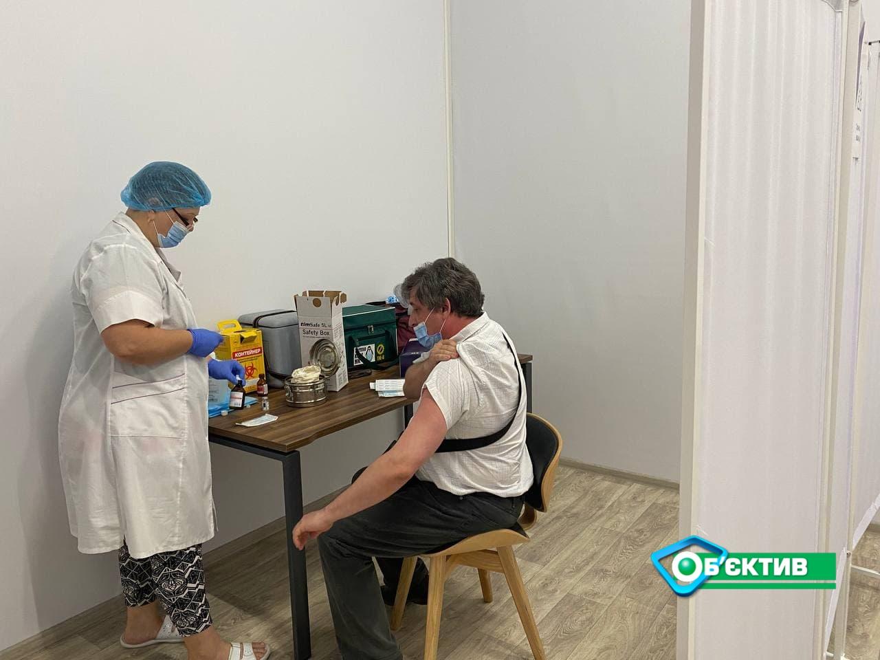Центр массовой вакцинации появился в ТРЦ «Никольский», и ТРЦ «Французкий бульвар»