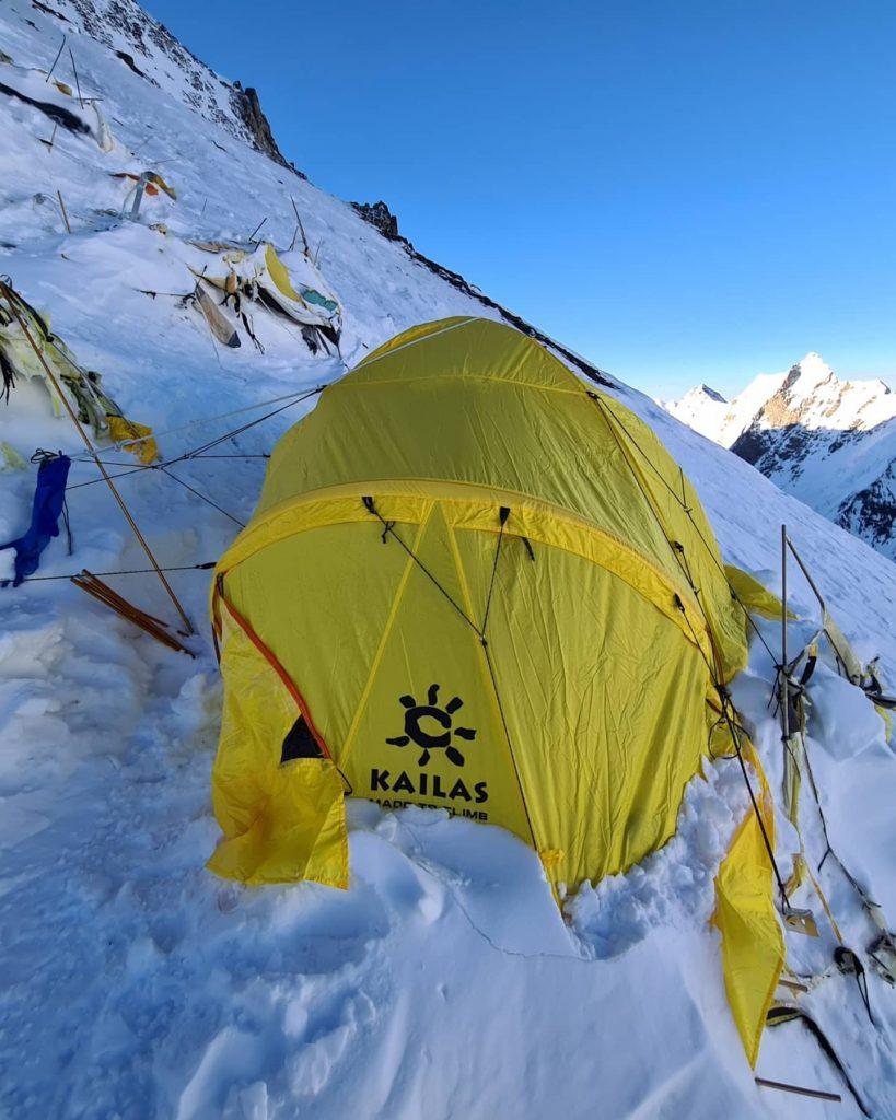Харьковский альпинист показал лагерь на К2