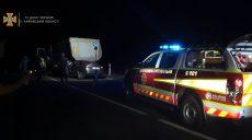 На Харьковщине спасатели деблокировали из авто тела погибших водителя и пассажирки (фото)
