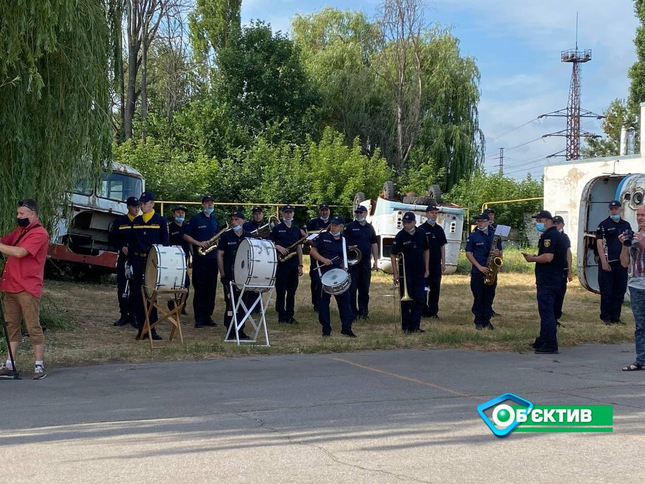 Харьковские курсанты-спасатели готовятся к параду ко Дню Независимости