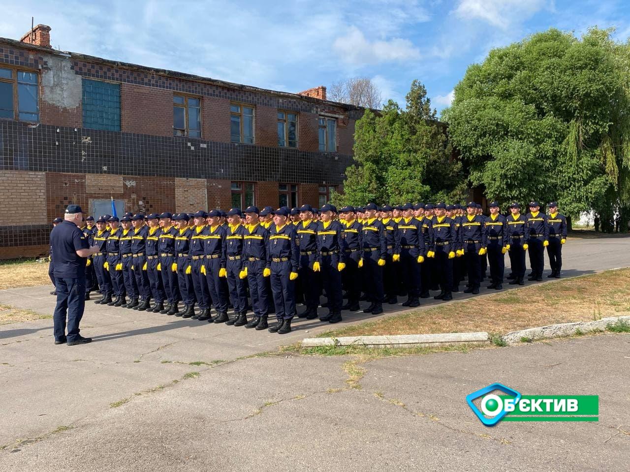 Харьковские курсанты Национального университета гражданской обороны готовятся участвовать в параде в Киеве 24 августа