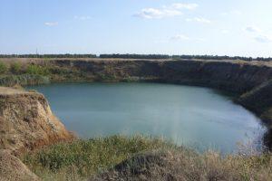Соленое озеро в села Антоновка