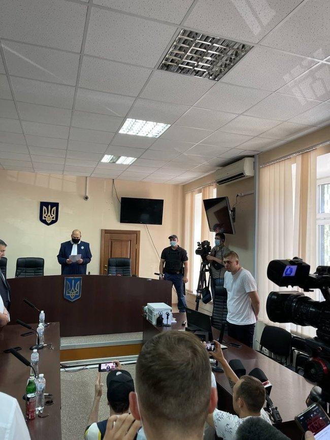 Медведчук оставлен под домашним арестом