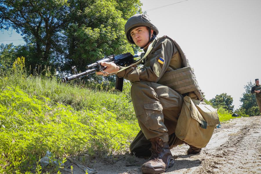 Харьковские нацгвардейцы вышли на комплексные полевые занятия (фото)