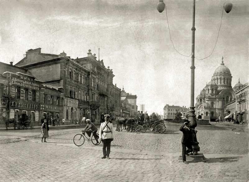 Стойка извозчиков на Николаевской площади