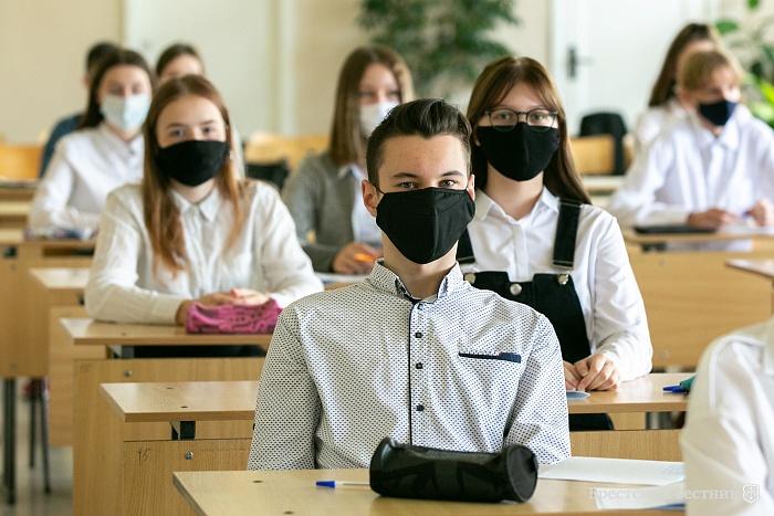 В жесткий карантин школы и вузы Харькова будут работать при 80% вакцинированного персонала