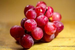 Гроздь винограда продали за 13 тыс. долларов