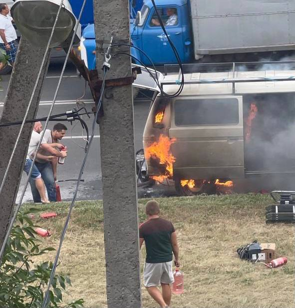 Пожар в микроавтобусе в Харькове