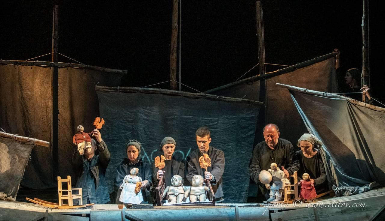 Спектакль кукольного театра в Харькове