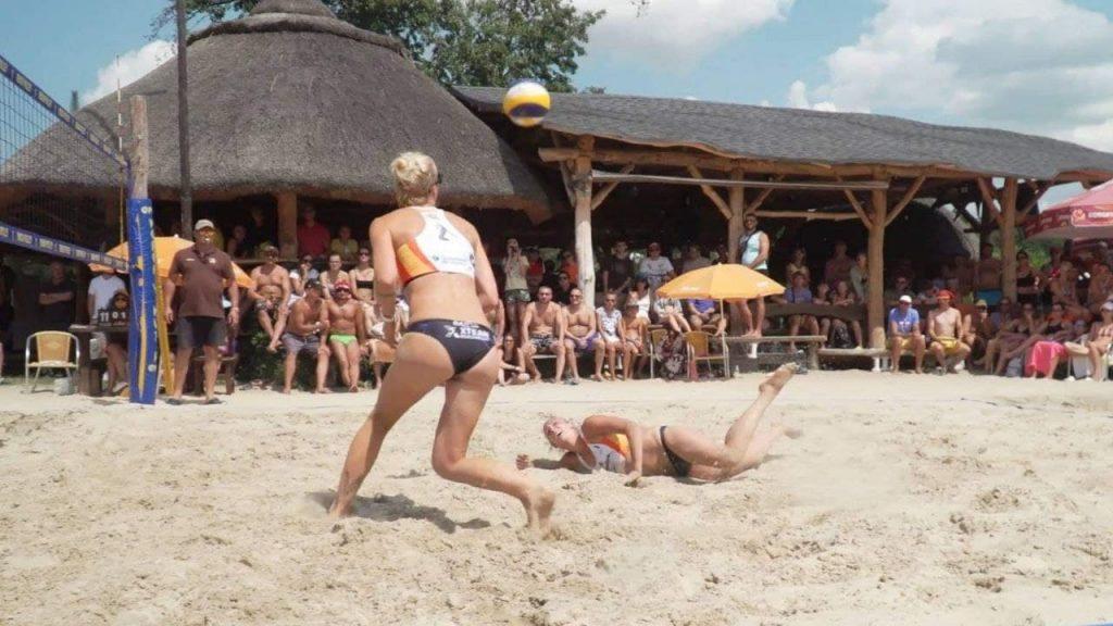 Евгения Баева из Запорожья в паре с Анной Стороженко выиграли женскую сетку
