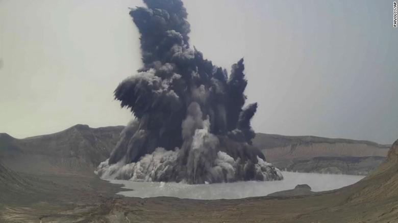 Малыш-вулкан Тааль на Филиппинах стал причиной массовой эвакуации людей