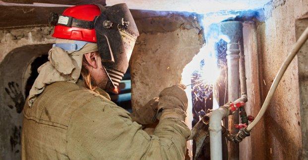 В части Харькова восстанавливают внутридомовые сети водоснабжения