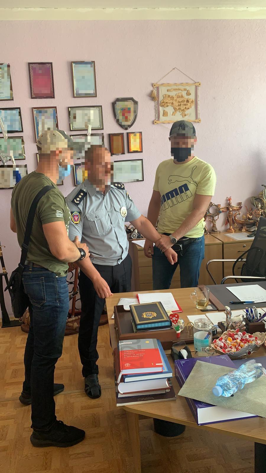 Декан Харьковского университета брал взятки за поступление в аспирантуру – Офис генпрокурора