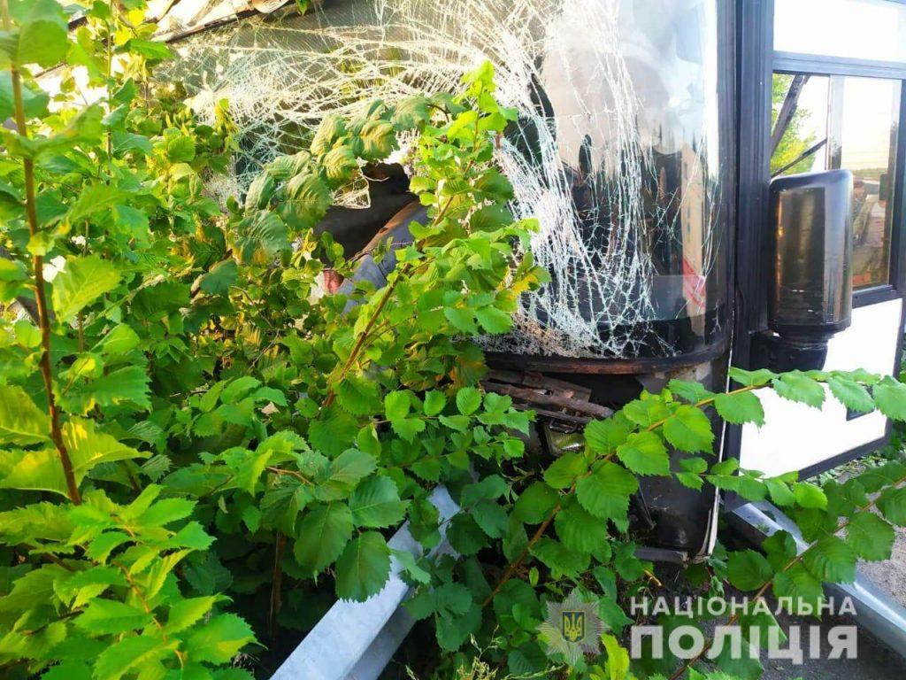 В аварии под Харьковом пострадал водитель автобуса