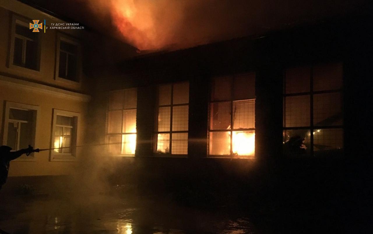Спасатели требуют привести в порядок противопожарную защиту в школах