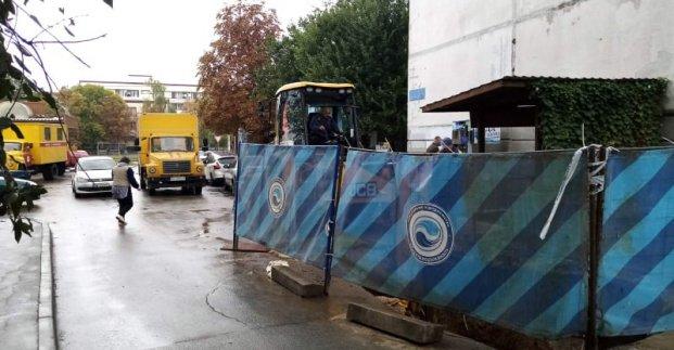 В Шевченковском районе меняют сети холодного водоснабжения