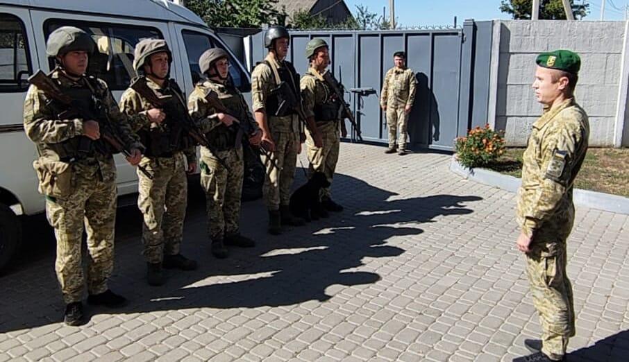 На Харьковщине пограничники отработали задержание нарушителей границы из России