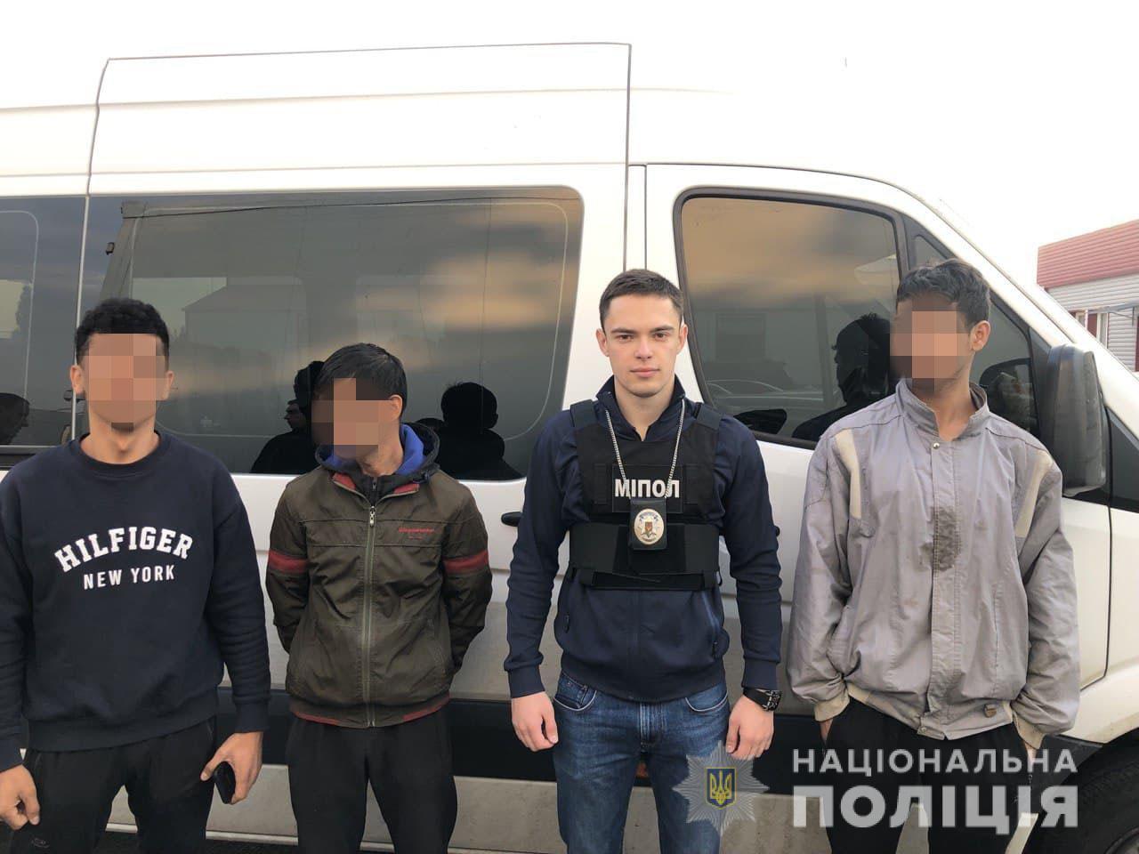 На рынке в Харькове задержали иностранца (фото)
