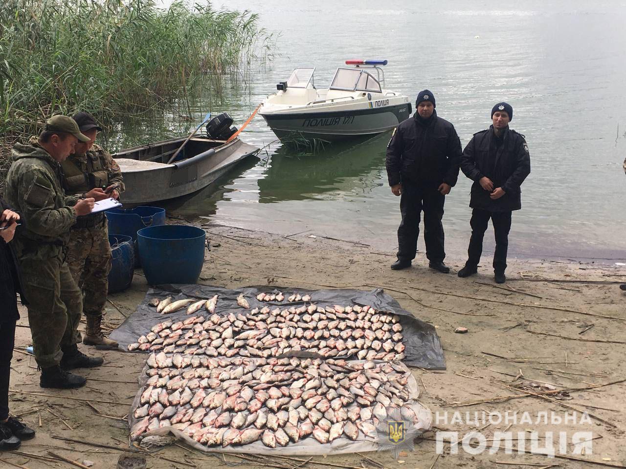 На Харьковщине на браконьера, который выловил сетями 77 кг рыбы, завели уголовное дело - фото 2
