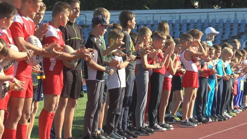 Олимпийский чемпион поздравил одноклубников с днем физкультуры и спорта (фото)