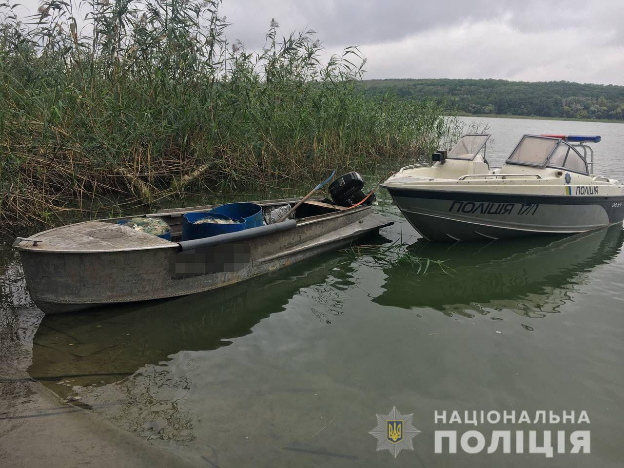 На Харьковщине на браконьера, который выловил сетями 77 кг рыбы, завели уголовное дело - фото 3