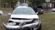 В Харькове в ДТП попали водители Daewoo Lanos и Renault (фото)