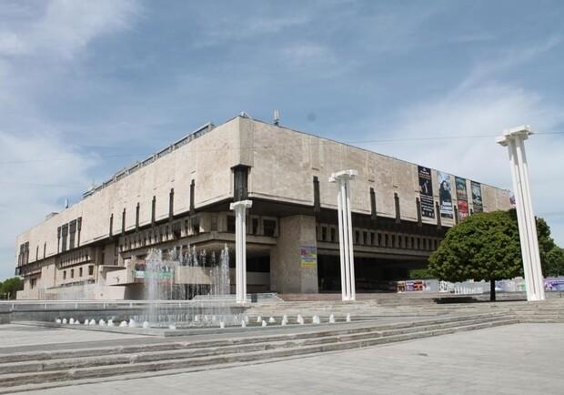 Языковой омбудсмен не доволен исполнением языкового закона в Харьковском национальном театре
