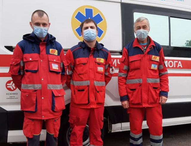 Раненого на Донбассе бойца транспортировали в Харьков