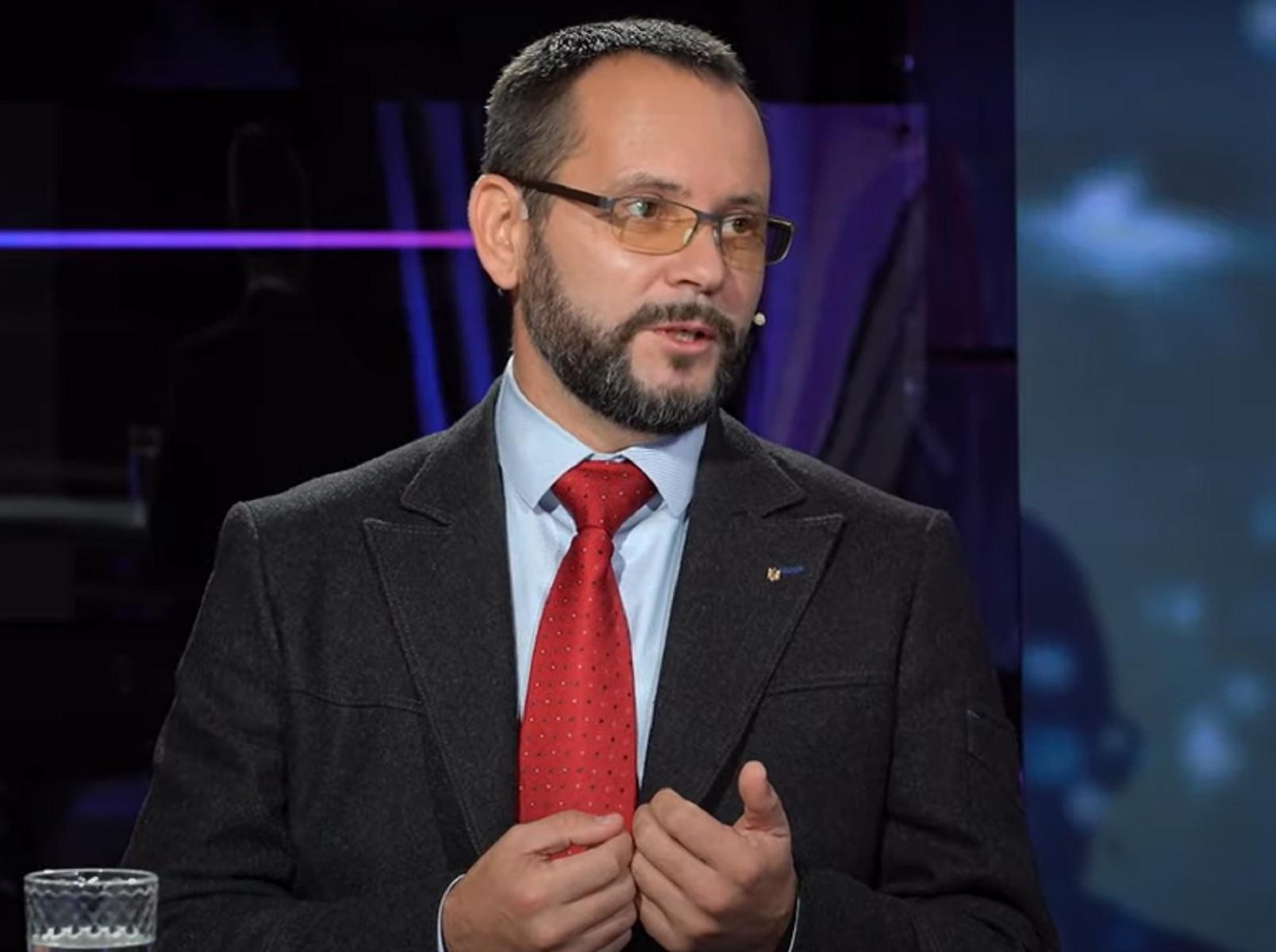 Языковой вопрос — элемент государственной безопасности, — Владимир Мулык