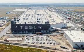 В Китае из-за энергетического кризиса встали заводы Apple и Tesla