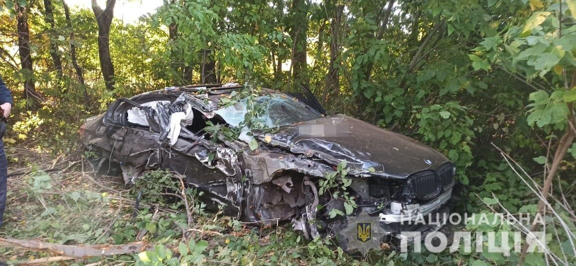Подробности ДТП на дороге Киев-Харьков: BMW врезался в эвакуатор во время обгона (фото)