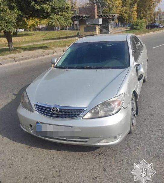 В Харькове легковушка нарушила ПДД и влетела в другую машину