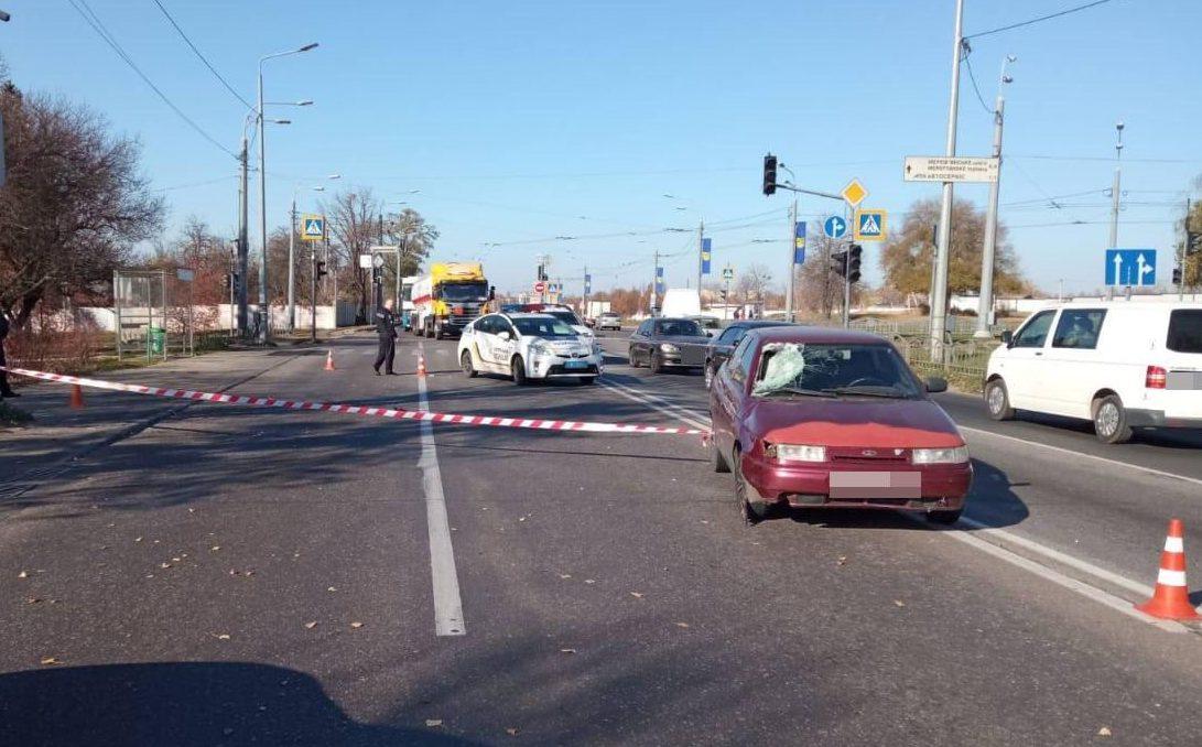 В Харькове легковое авто наехало на подростка