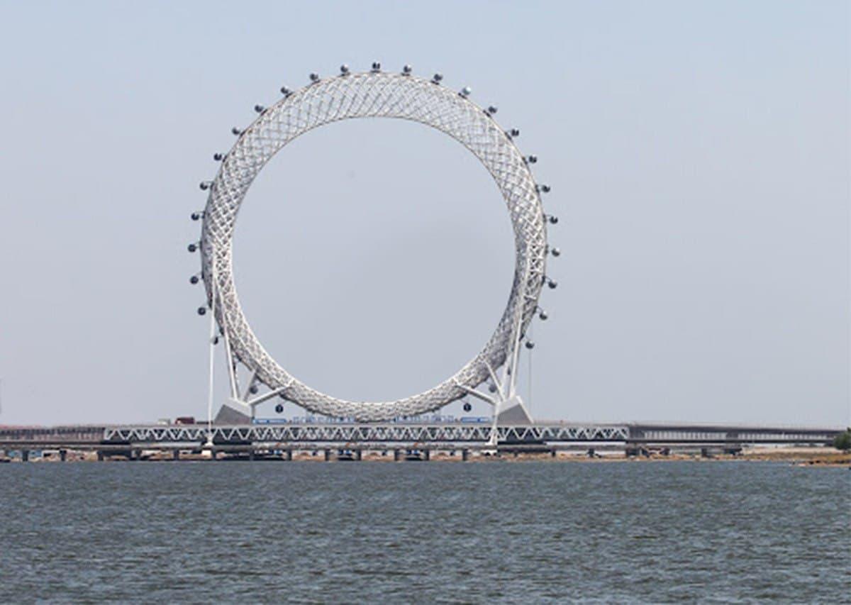 Китайцы снова поразили мир: первое колесо обозрения без спиц (фото)