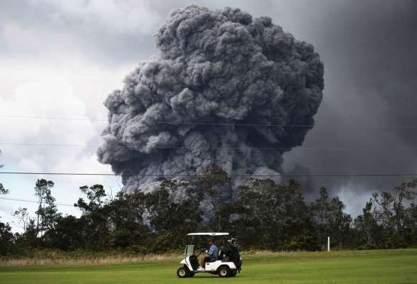 """В Японии """"проснулся"""" вулкан Асо: высота столба дыма достигала 3,5 км (видео)"""